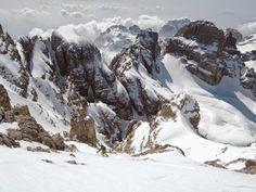 #skitouring #skiing #ski #alps Watch the video here: https://www.youtube.com/watch?v=R3AqwSJf7rI&sns=em