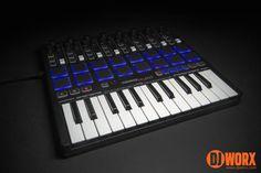 REVIEW: Reloop Keypad Keyboard Controller - http://djworx.com/review-reloop-keypad-keyboard-controller/