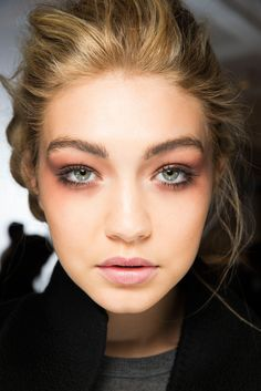 Tom Ford - Fall 2015 RTW Beauty