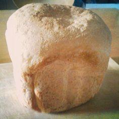 久々にお米パン。夏には膨らまなかったが、今日はまずまず。分量はほぼそのまま。 #GOPAN #ricebread #米パン