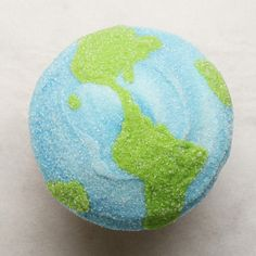 EARTH DAY CUPCAKES! Earth Cake, Cupcake Wars, Cupcakes, Baking With Kids, Let Them Eat Cake, School Projects, First Birthdays, Whimsical, Cupcake Ideas