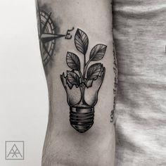 Tatuagem criada por Max Vorax de Curitiba. #tattoo #tatuagem #tattoo2me #art #arte #blackwork