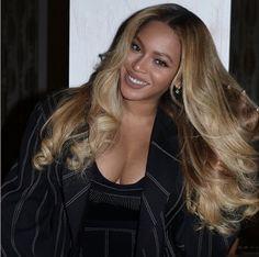 Beyonce Hair Color, Beyonce Blonde, Beyonce Style, Beyonce Curly Hair, Estilo Beyonce, Beyonce Fans, Beyonce Quotes, Beyonce Coachella, Curly Hair Styles
