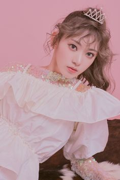 a multifandom mess — softjoy: miyawaki sakura x molak :: peach crush . Yuri, Sakura Mochi, Sakura Miyawaki, Japanese Girl Group, Korean Celebrities, Having A Crush, The Wiz, Kpop Girls, Cool Girl