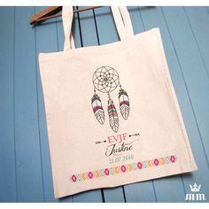Tote bag EVJF Boho, cadeau idéal pour la future mariée et ses amis présentes pour l'enterrement de vie de jeune fille (EVJF)... Ce tote bag personnalisé est un souvenir original à conserver.