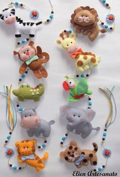 Super cute and fun felt animals: ! This cold be made into a felt baby mobile or cute stuffed animals or ornaments. Baby Crafts, Felt Crafts, Crafts For Kids, Sewing Toys, Sewing Crafts, Do It Yourself Baby, Felt Mobile, Mobile Craft, Felt Baby