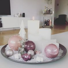 Christmas Decoration & Christmas decoration & Pink & White & Whiteliving & Interior Artificial fir tree as Christmas decoration? A synthetic Christmas Tree or even a real one? Lovers o post Christmas Decoration Rose Gold Christmas Decorations, Christmas Arrangements, Christmas Centerpieces, Holiday Decor, Christmas Night, Christmas 2019, All Things Christmas, Christmas Diy, White Christmas