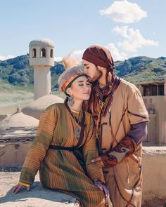 Traditional Looks, Traditional Outfits, Fashion Art, Fashion History, Stylish Photo Pose, Turkish People, Historical Costume, World Cultures, Photo Poses