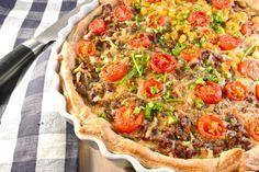 gehakttaart uit de oven - http://www.lekkerensimpel.com/2012/09/24/heerlijke-gehakttaart-van-bladerdeeg/#
