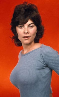 American actress and author Adrienne Barbeau was born Adrienne Jo Barbeau on June 1945 in Sacramento, California, the daughter of Armene Nalbandian and Joseph Barbeau. Adrienne Barbeau, Vintage Hollywood, Classic Hollywood, Pin Up, Actrices Hollywood, Star Wars, Up Girl, Vintage Beauty, Vintage Bra
