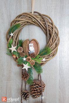 Long Christmas Owls, Christmas Time, Christmas Ornaments, Xmas Wreaths, Christmas Decorations, Christmas Front Doors, Christmas Wonderland, Diy Wreath, Holiday Crafts