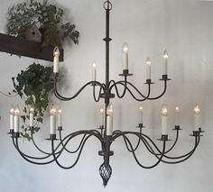 1 no centro e outros 4 em volta Large Wrought Iron Chandeliers Photo - 1
