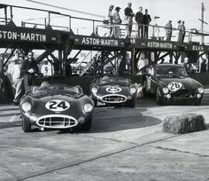 Team Aston Martin at Sebring 1958 The #24 Aston Martin DBR1/300 was driven by Stirling Moss and Tony Brooks but failed to finish due to a busted axle. The #25 DBR1 was driven by Carroll Shelby and Roy Salvadori and failed to finish due to a busted transmission. The George Constantine-John Dalton DB2/4 Mk III had rear hub problems and failed to finish. Not the best results for this English team.