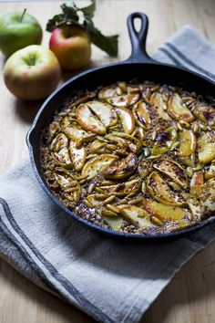 Skillet baked steel cut oats with apples, maple and pumpkin seeds| www ...