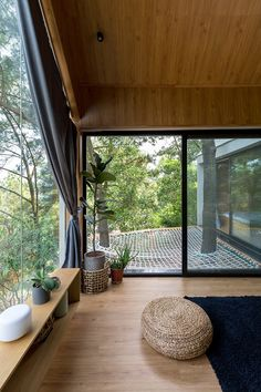 Japanese Style House, Traditional Japanese House, Future House, Home Improvement Loans, Forest House, Forest Cottage, Tiny House Design, Wood House Design, House In The Woods