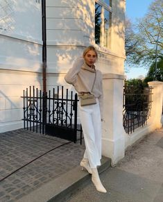 """Caroline Daur on Instagram: """"Once upon a time in Hamburg... 🌤"""" How To Look Rich, Get The Look, Caroline Daur, How To Look Expensive, Once Upon A Time, Autumn Fashion, Vogue, Photo And Video, Chic"""