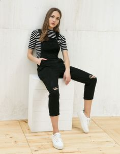 Comfort denim dungarees. Discover this and many more items in Bershka with new products every week
