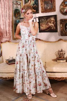 Tiered Skirts, Queen, Printed Cotton, Cotton Fabric, Gowns, Elegant, Kittens, How To Wear, Clothes