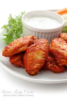 This wheat/gluten free buffalo wings. & Costco sells organic chicken wings now! Buffalo Wings, Crock Pot Recipes, Wing Recipes, Cooker Recipes, Buffalo Chicken Tenders, Baked Chicken Wings, Fried Chicken, Cooked Chicken, The Best Burger
