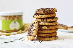 Mandľovo-kokosové cookies | Powerlogy Lchf, Biscuits, Cookies, Breakfast, Cake, Fit, Desserts, Recipes, Morning Coffee