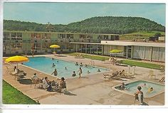 Swimming Pool,Holiday Inn-Cave City,Kentucky