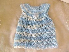 Baby_dress_small2..Solomon's knot baby dress... Free pattern!