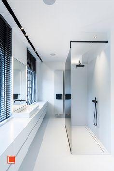 Modern Bathroom, Small Bathroom, Interior Architecture, Interior Design, Luxury Life, Bathroom Lighting, Beautiful Homes, House Styles, Home Decor
