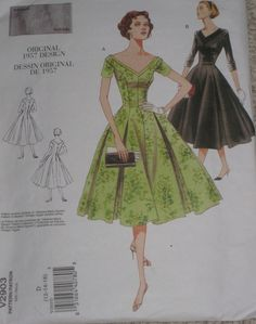 Retro 50s Vintage Styled Bouffant Dress Vogue 2903 Sewing Pattern Size 12, 14, 16
