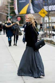 Winter maxi dress or skirt #winter #maxi #wintermaxi