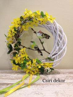 Helló Március! Ébred a természet. Easter Flower Arrangements, Funeral Flower Arrangements, Church Flowers, Funeral Flowers, Easter Wreaths, Holiday Wreaths, Willow Wreath, Homemade Wreaths, Diy Ostern