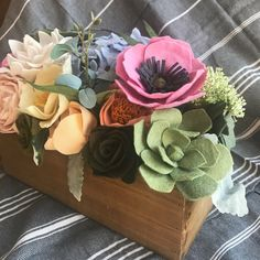 I woke up in a funk this morning (Monday's, ammiright? ) so I decided to be super productive and now I've got a clean house and just ate a healthy lunch #winning  I'm thinking about taking this piece apart to use for other things, unless someone wants it? Message me if you're interested!!  •. #feltflowers #flowerbox #springflowers #hydrangea #succulents #roses