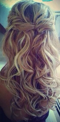 Half up half down wavy hair #gorgeoushair