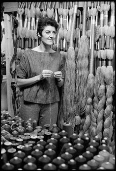 FRANCE. Paris. 6th arrondissement. US tapestry-maker Sheila HICKS in her studio.