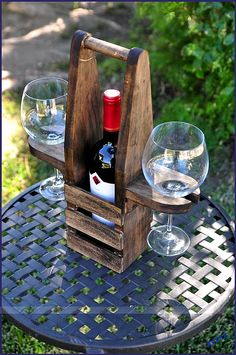 Our Table Top Wine Caddy is the perfect gift for everyone .- Unser Table Top Wine Caddy ist das perfekte Geschenk für jeden Anlass … Geburt … Crafts Ideas – wood working gifts Our Table Top Wine Caddy is the perfect gift for any birth craft ideas - Wood Projects, Woodworking Projects, Home Crafts, Diy Crafts, Simple Crafts, Felt Crafts, Paper Crafts, Wine Caddy, Wine Bottle Crafts