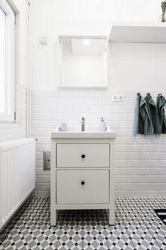 jak to zorbić szybko i tanio-hemnes-płytki winylowe-jasna łazienka-nowoczesna łazienka