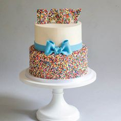Buttercream and rainbow sprinkles with blue bow baby shower cake : Blue Lace Cakes Torta Baby Shower, Bow Baby Shower, Baby Boy Sprinkle, Sprinkle Shower, Baby Birthday Cakes, Birthday Nails, 2nd Birthday, Rainbow Sprinkles, Cake Rainbow