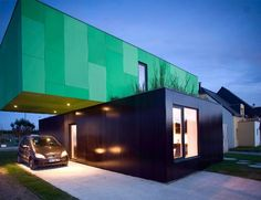 Crossbox House: Cross Shape Container Home