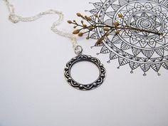 Silver Mandala Sunflower Pedant / Handmade Mandala por PuntoPausa
