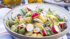 Potatissallad med finess Cobb Salad, Potato Salad, Potatoes, Cooking Recipes, Ethnic Recipes, Scandinavian, Food, Party, Travel