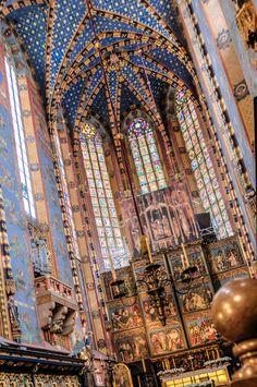 #Bazylika #Mariacka (St. Mary's Basilica), this 13th century #church is an icon of #Kraków, #Poland.