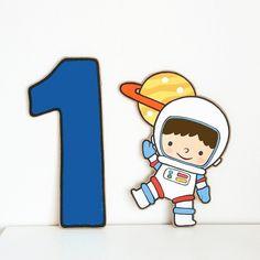 Astronaut Cartoon, Cartoon Kids, Cute Cartoon, Boy First Birthday, First Birthday Parties, First Birthdays, Outer Space Theme, Outer Space Party, Space Theme Decorations