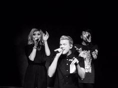 ...Фото с концерта в Далласе ..