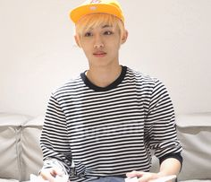 [Vyrl] NCT : #WelcometoNCT NCT 127의 햇살같은 멤버 '윈윈'을 소개합니다! 오늘도 어김없이 돌아온 NCT 127의 새로운