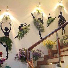 This articles enlist 20 bes low maintenace indoor plants to use for decoration. These plants are easy to grow and easy to maintain Indoor Garden, Garden Art, Indoor Plants, Garden Design, Home Decor Items, Diy Home Decor, Deco Nature, Decoration Plante, House Plants Decor