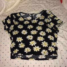 Sunflower crop top Worn once super cute and comfy crop top. On the looser side. Could fit xs, s, or m! Bought from tillys, just brandy for exposure Brandy Melville Tops Crop Tops