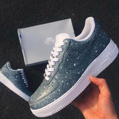 20 sneaker shoes to update you wardrobe today Bilder Land 20 sneaker shoes to update you wardrobe today Bilder Land Cute Sneakers, Sneakers Mode, Sneakers Fashion, Fashion Shoes, Superga Sneakers, Basket Originale, Basket Style, Nike Shoes Air Force, Hype Shoes