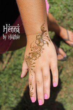 f4d4fb0e1094d9851abd34b60ac60714--henna-pictures-heather-orourke.jpg (236×354)