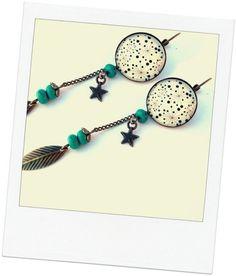 jolies boucles d'oreilles pendantes  à cabochon et turquoise naturelle dôme en verre 20mm perles de turquoise naturelle montées sur chaîne bronze longueur totale avec attach - 12403763