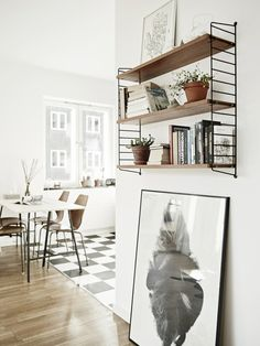 Stylish Scandinavian Style Apartment Decor Ideas One-room flats are very challenging in terms of inner design and décor. Because there's such a small area to work in the initial spot, the designer has to be original and to find access to save space. Design Scandinavian, Scandinavian Apartment, Industrial Scandinavian, Scandinavian Interiors, Scandinavian Kitchen, Nordic Design, Modern Family House, Modern House Design, Scandinavian Design