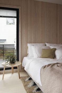 Mustanpuhuvaa messuilua | Design Wash Master Bedroom, Bedroom Decor, Lets Stay Home, Wall Treatments, Bedroom Styles, Scandinavian Interior, Windows And Doors, Wood Wall, Room Inspiration